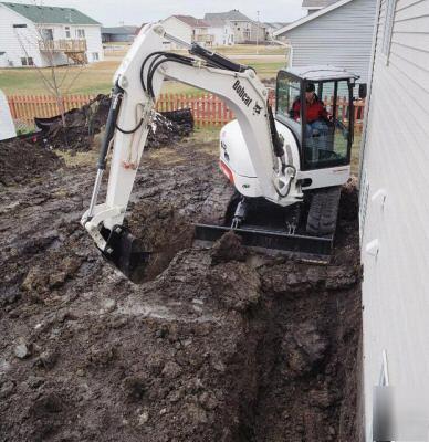 Bobcat 442 Excavator Zero Tail Swing 16000 Lbs