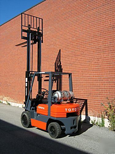 Toyota 4000 Lbs Forklift Lpg Lift Truck Outdoor