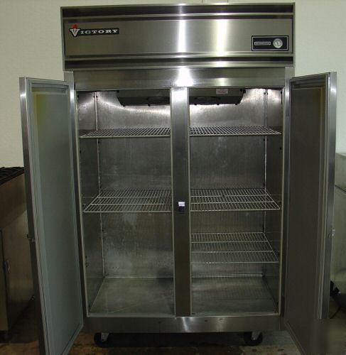 Victory Reach In Refrigerator Model Raa 2d S7
