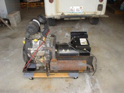 Like new 15KW 3 phase generator * * must see~only 311 hrs