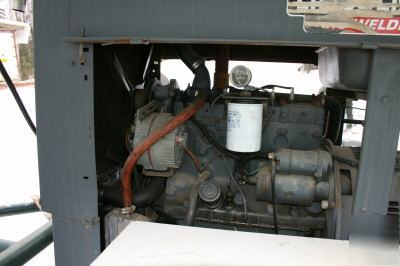 Sa-200-F163 200 amp lincoln arc welder, trailer & cover